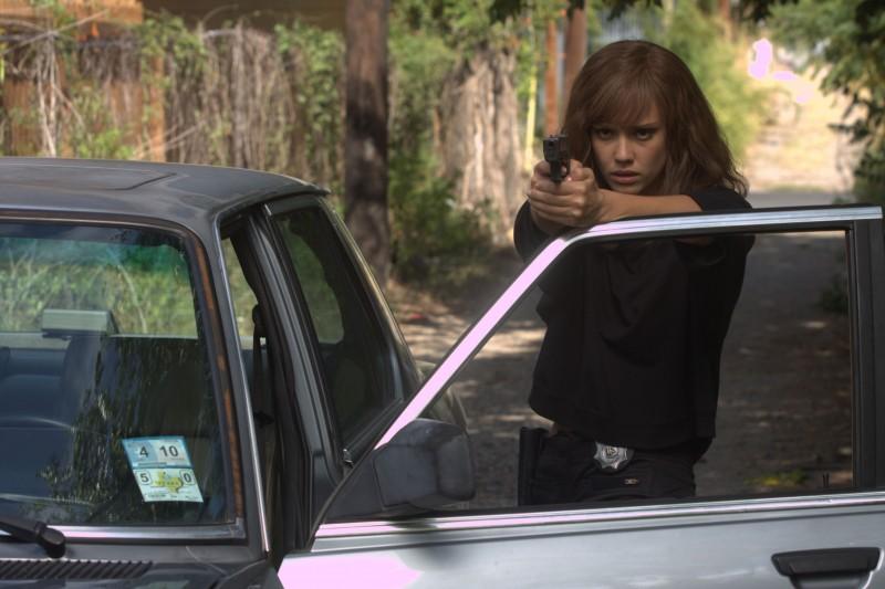 Jessica Alba in divisa nel film Machete