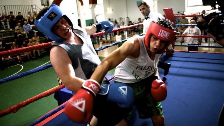 Lorenzo Scialla sul ring in una scena del film Tatanka