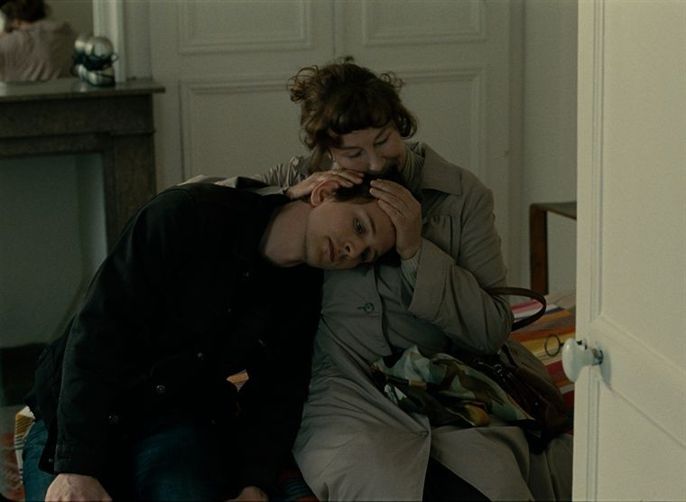 Pierre Moure con Yolande Moreau nel film Où va la nuit