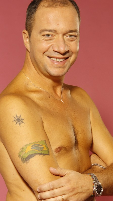 Arturo Gambardella, foto promo a torso nudo