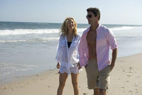 Kate Hudson e Colin Egglesfield nei panni di una coppia felice nel film Something Borrowed