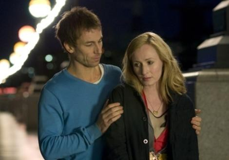 Tobias Menzies e Genevieve O'Reilly, romantici protagonisti di Forget Me Not