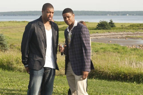 DeRay Davis e Pooch Hall in una scena del film Jumping the Broom