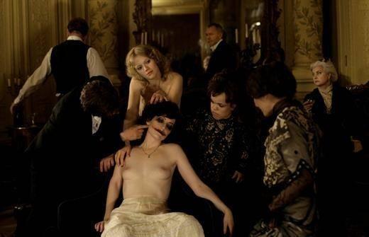 Una immagine del film L'apollonide (Souvenirs de la maison close)