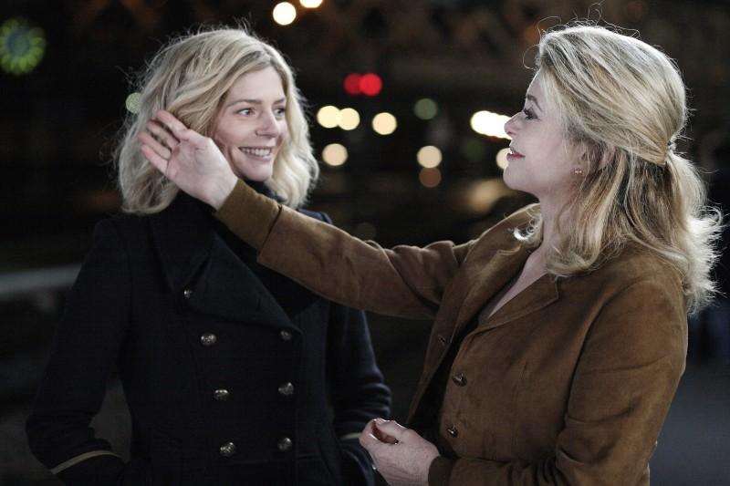 Catherine Deneuve con Chiara Mastroianni nel film Les bien-aimés