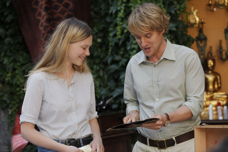 Owen Wilson con Léa Seydoux in una scena di Midnight in Paris