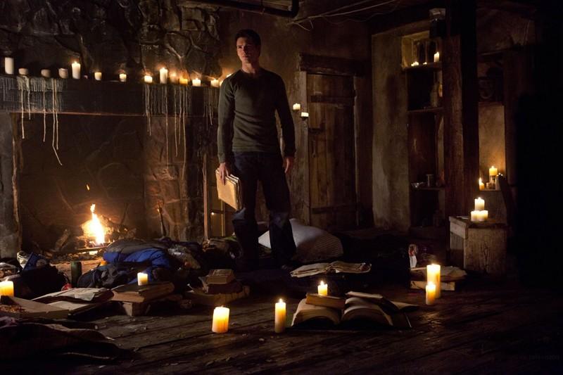 Jeremy (Steven R. McQueen) in una scena nell'episodio The Sun Also Rises di Vampire Diaries