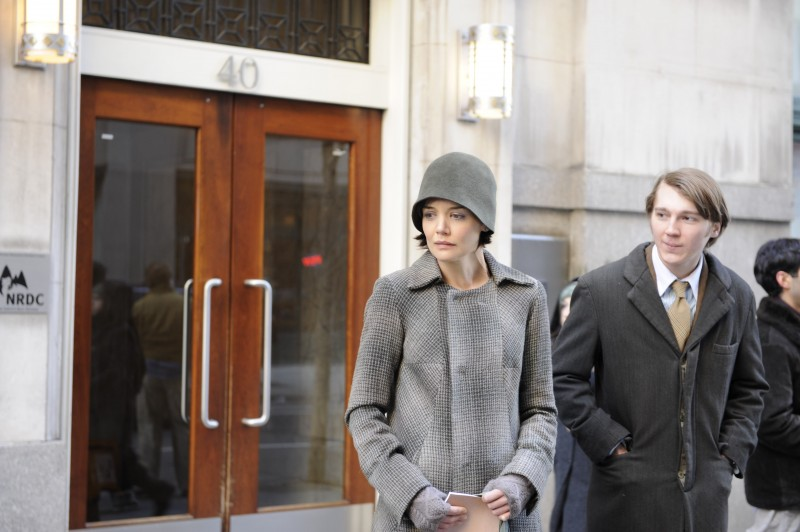 Katie Holmes con Paul Dano in una scena del film The Extra Man