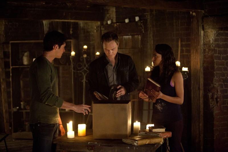 Steven R. McQueen, David Anders e Katerina Graham nell'episodio The Sun Also Rises di Vampire Diaries