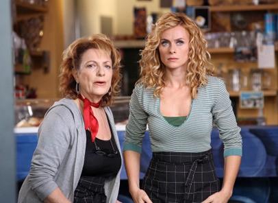 Fioretta Mari e Serena Autieri nei panni di madre e figlia per Fratelli Detective