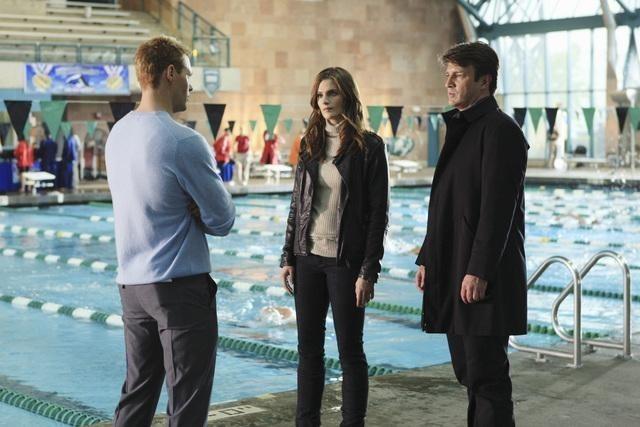 Justin Bruening, Stana Katic e Nathan Fillion nell'episodio The Dead Pool di Castle