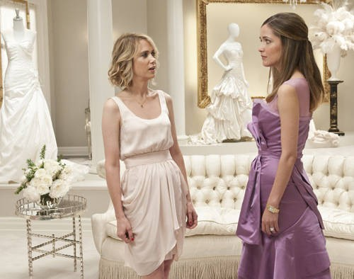 Kristen Wiig e Rose Byrne nella commedia Le amiche della sposa