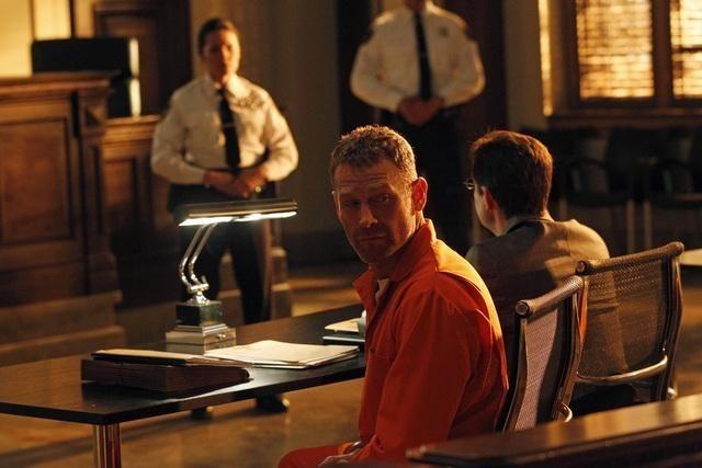 Max Martini in una scena dell'episodio Knockout di Castle
