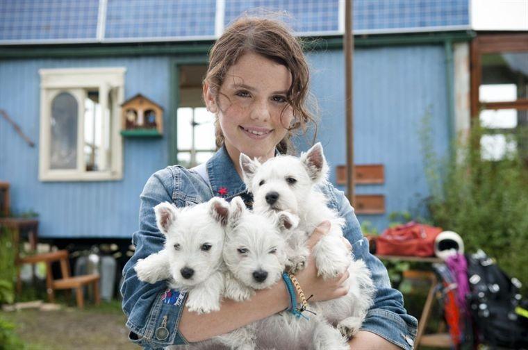 Ruby O. Fee tra i giovani protagonisti del film Löwenzahn - Das Kinoabenteuer