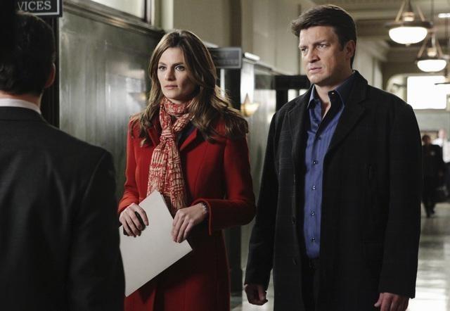 Stana Katic e Nathan Fillion nell'episodio Law & Murder di Castle