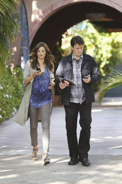 Stana Katic e Nathan Fillion nell'episodio To Love and Die in L.A. di Castle