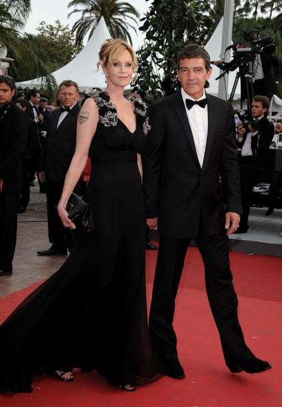 Cannes 2011, serata inaugurale: Antonio Banderas con Melanie Griffith sul tappeto rosso