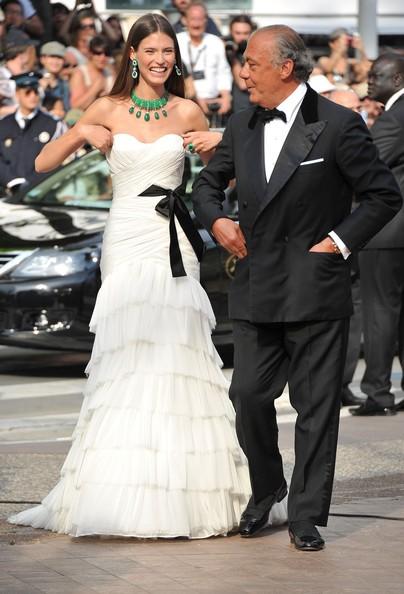 Festival di Cannes 2011: Bianca Balti accanto a Fawaz Gruosi - presidente della griffe di gioielleria  De Grisogono - sul red carpet