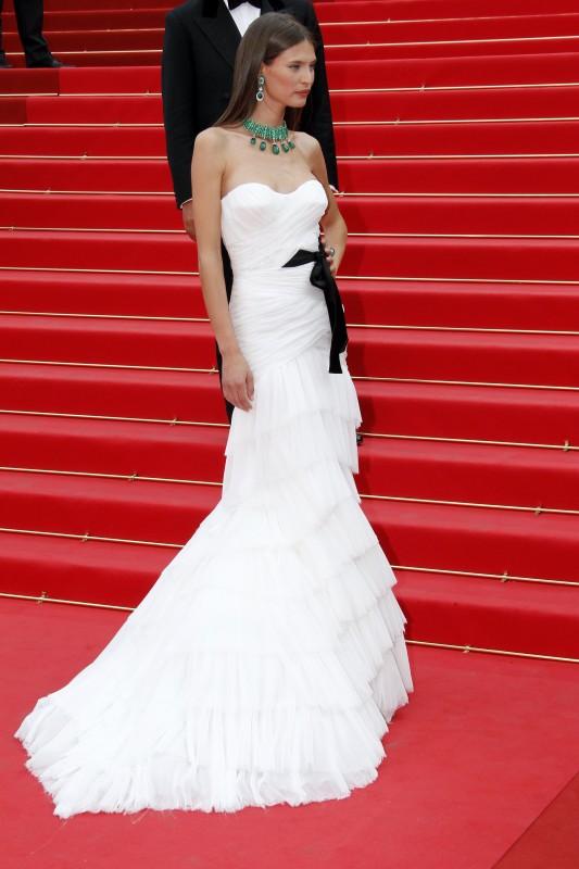 Festival di Cannes 2011: Bianca Balti sul red carpet con i gioielli De Grigosono