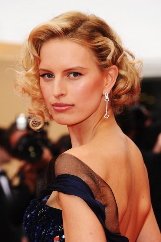 Festival di Cannes 2011: Karolina Kurkova sfoggia gioielli Cartier sul red carpet
