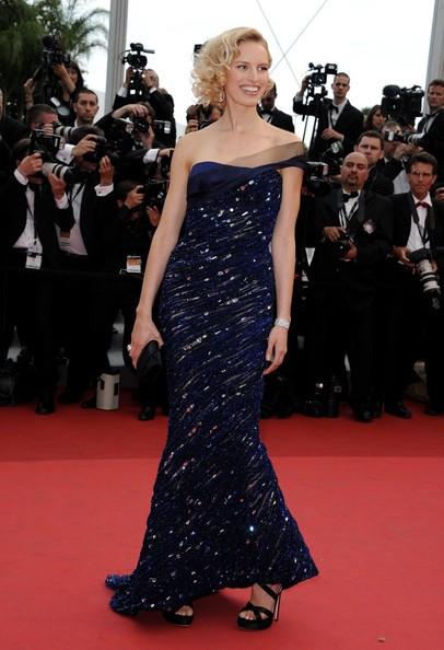 Festival di Cannes 2011: Karolina Kurkova sul red carpet
