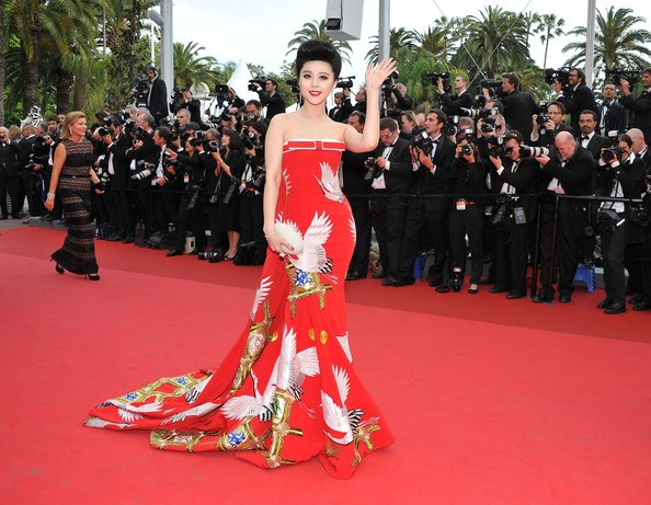 Festival di Cannes 2011: l'attrice e cantante cinese Fan Bingbing sul red carpet