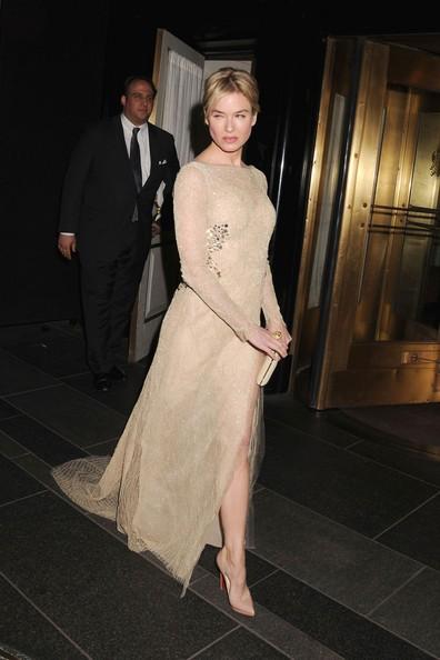 Renee Zellweger mentre lascia l'Hotel Carlyle per il Metropolitan Costume Institute Gala 2011 di New York