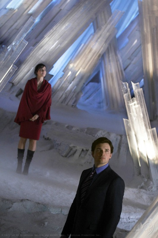 Clark (Tom Welling) e Lois (Erica Durance) nella Fortezza in: Prophecy di Smallville