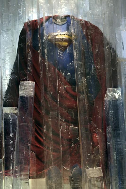 La tuta di Superman nascosta tra i ghiacci nell'episodio Prophecy di Smallville