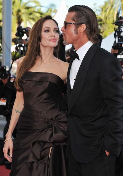 Cannes 2011: Brad Pitt presenta The Tree of Life sul red carpet accanto alla Jolie