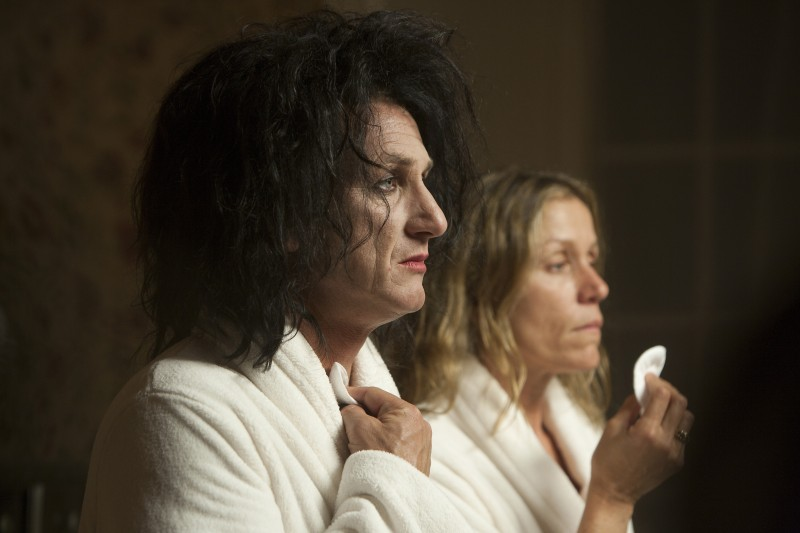 Sean Penn e Frances McDormand in una scena di This Must Be the Place, di Paolo Sorrentino.