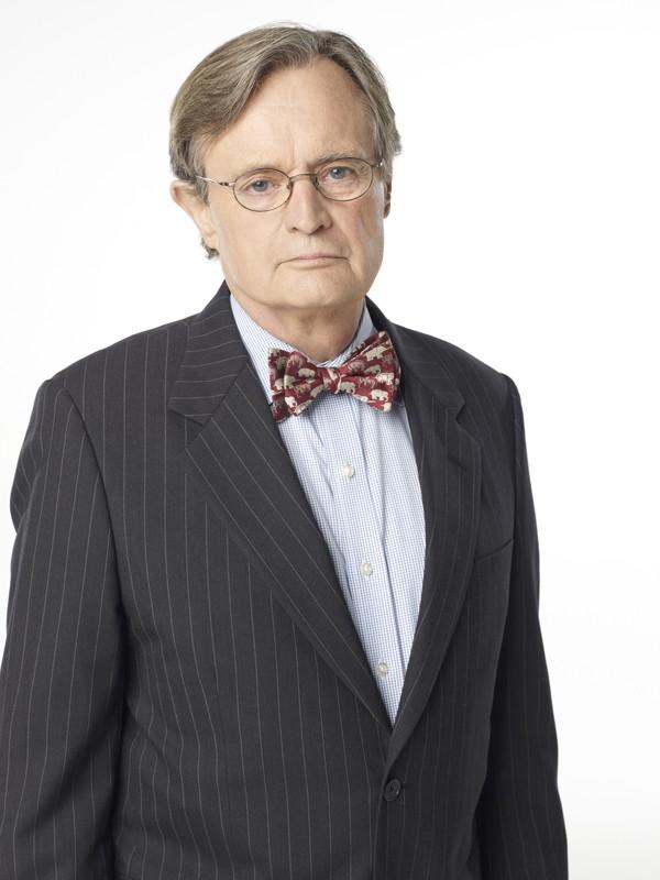 David McCallum in una foto promo per l'ottava stagione di NCIS