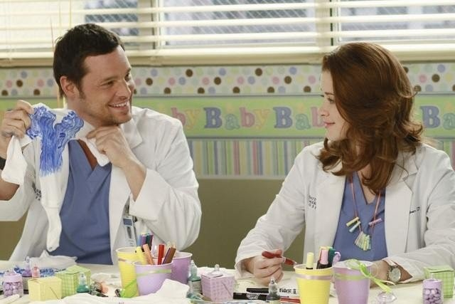 Justin Chambers e Sarah Drew nell'episodio This Is How We Do It di Grey's Anatomy