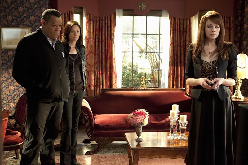 Laurence Fishburne, Jorja Fox e Melinda Clarke nell'episodio Unleashed di CSI: Scena del crimine