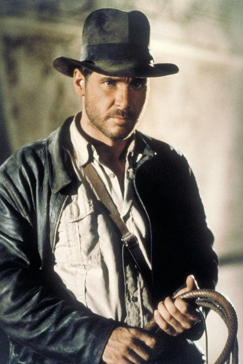 Harrison Ford è Indiana Jones in una scena de I predatori dell'arca perduta