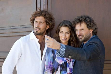 Thyago Alves e Ariadna Romero sul set di Finalmente la felicità accanto a Pieraccioni