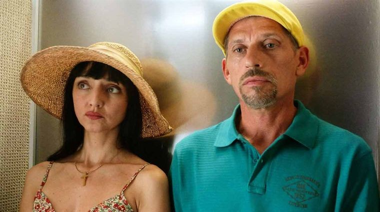 Ni à vendre ni à louer: Maria de Medeiros e Jacques Gamblin nel film
