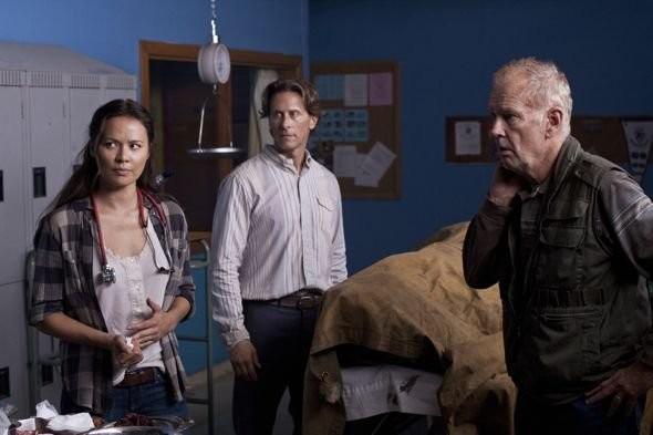 Moon Bloodgood e Steven Weber in una scena dell'episodio Grace della serie Falling Skies
