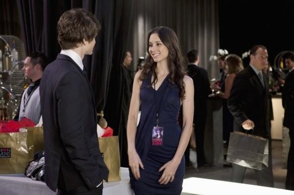 Troian Avery Bellisario e Keegan Allen nell'episodio 'Never Letting Go' di Pretty Little Liars