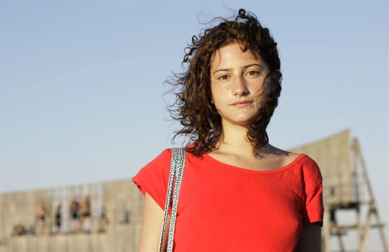 La giovane Lola Creton nel film Un amour de jeunesse