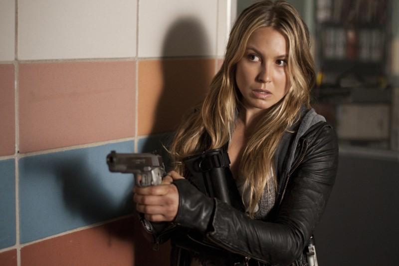 Sarah Carter in una scena dell'episodio Silent Kill della ...