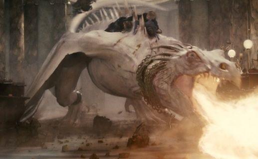 Harry Potter e i doni della morte - parte 2: una immagine della fuga da Gringotts