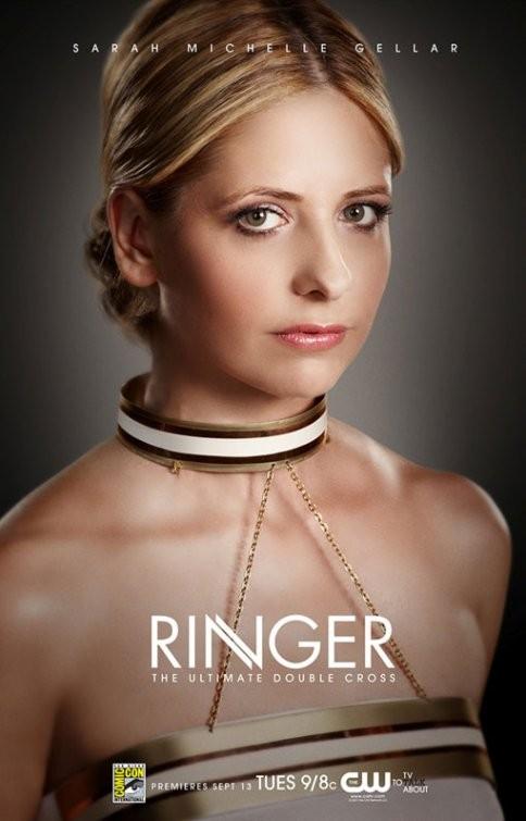 Uno dei primi poster della serie TV Ringer con Sarah Michelle Gellar