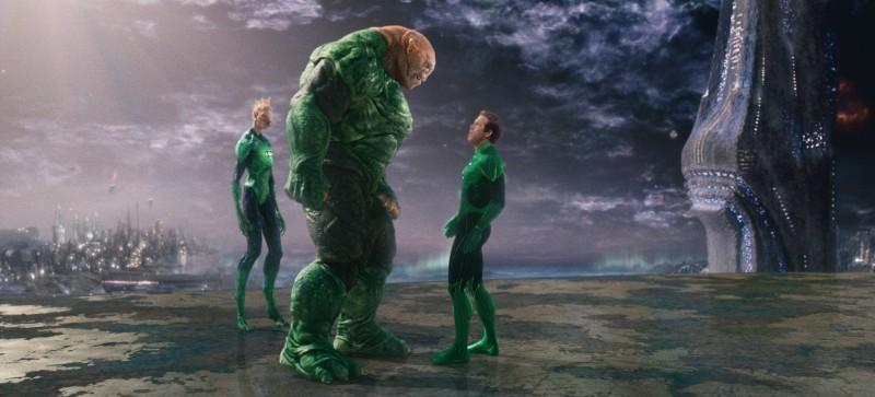 Green Lantern (Ryan Reynolds) con Tomar-Re e Kilowog in una scena di Lanterna Verde