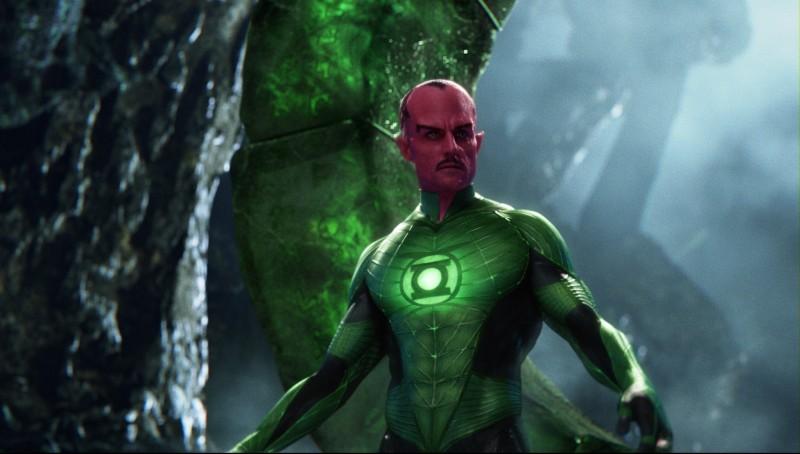 Mark Strong nei panni di Sinestro nel film Lanterna Verde