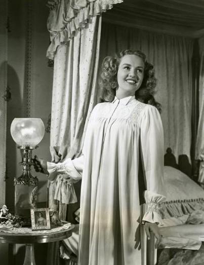 Betty Grable è... la scioccante Miss Pilgrim