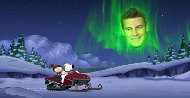 David Boreanaz in una scena di Road to the North Pole della serie-tv I Griffin