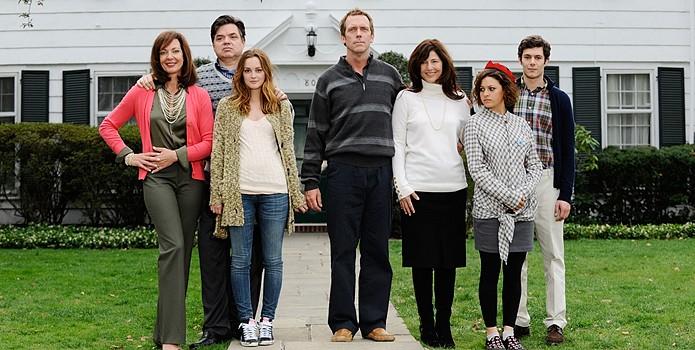 Ritratto di famiglia per The Oranges. Nella foto si riconoscono Hugh Laurie, Adam Brody, Catherine Keener, Oliver Platt e Leighton Meester