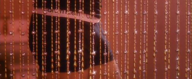 Il cantante Ben (Dominic Cooper) nelle fantasie di una sua fan indossa intimo griffato nel film Tamara Drewe