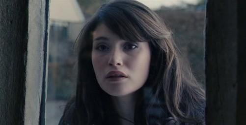 La bella Gemma Arterton nel film Tamara Drewe